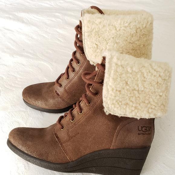 86fadd0e354 Ugg wedge boot